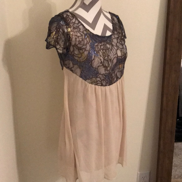 Sage Dresses & Skirts - Sage Mini dress size Small